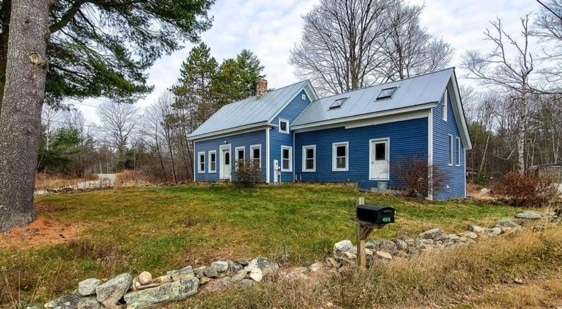 c.1870 Maine Cape For Sale on 1.1 Acres Under $100K