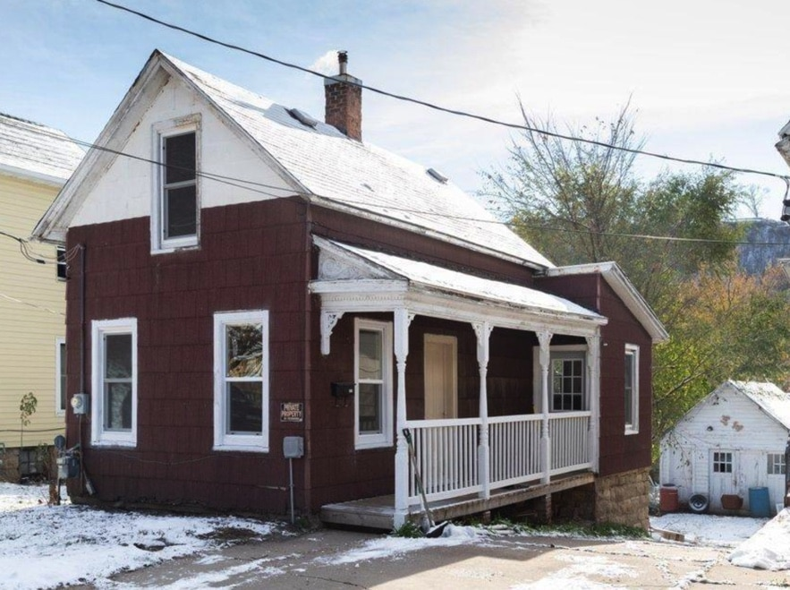 c.1890 Cottage For Sale in Red Wing MN Under $65K