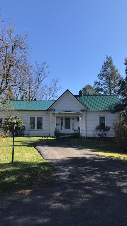 Tazewell VA mountain view home with 1.5 acres $65K