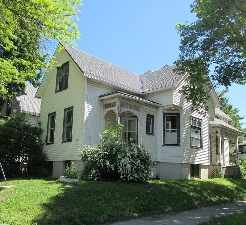 3 Big Old Houses For Sale Cheap
