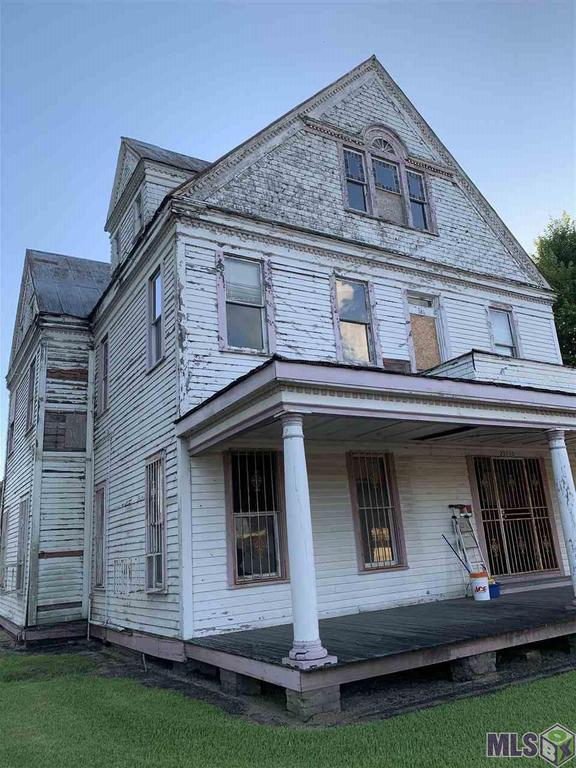 Queen Anne Fixer Upper in Louisiana