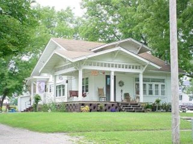 Greene Iowa Craftsman bungalow