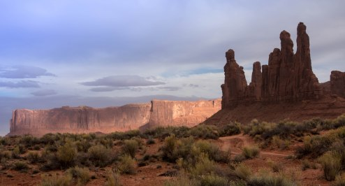 Monument Valley Hiking in Arizona Desert