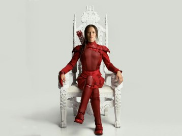 the-hunger-games-mockingjay-part-2-catniss-throne