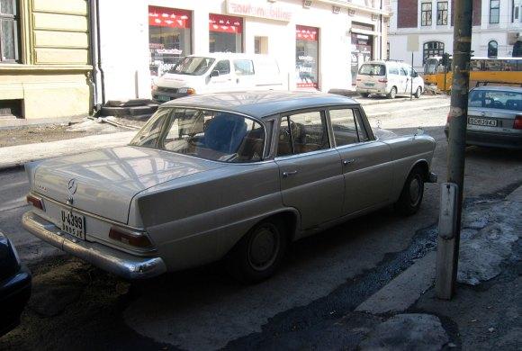 1967 Mercedes-Benz 200