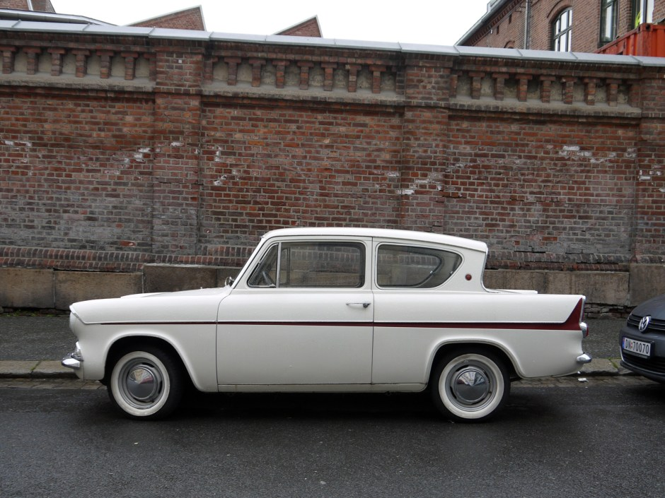1962 FORD ANGLIA DELUXE
