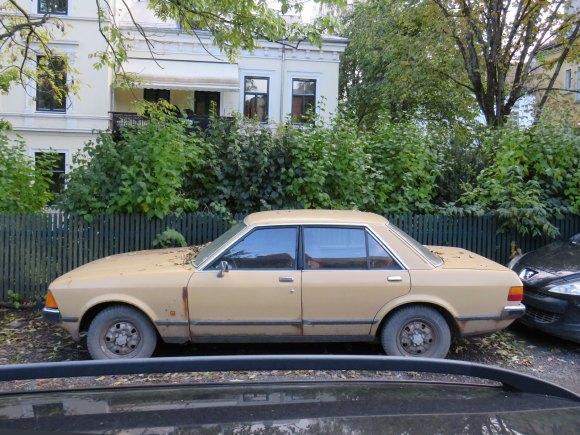 1978 Ford Granada 2.3 L old parked car street thumbnail