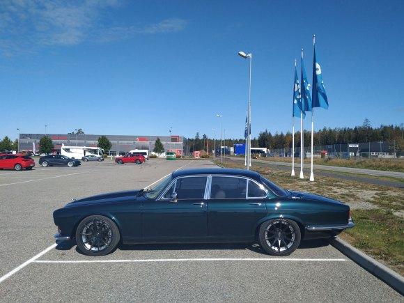1972 Jaguar XJ6 hot rod v8 profile