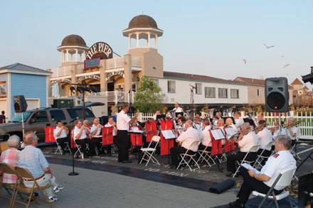 Evening Entertainment in the Square!