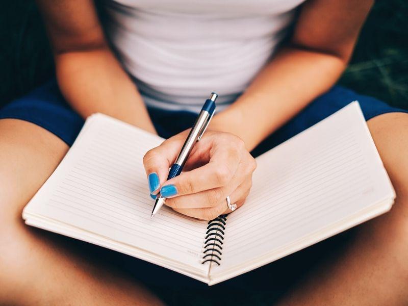 Journaling and the Benefits of Writing Down Your Goals