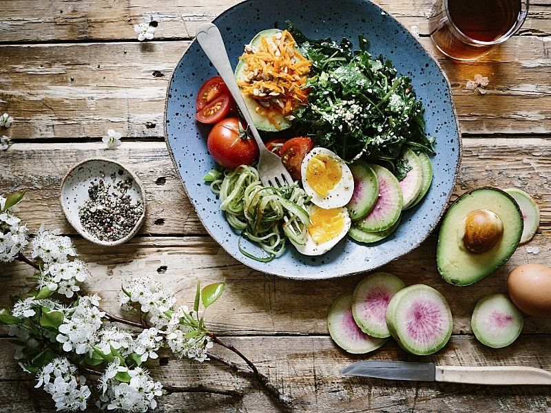 How Do I Stick to a Healthy Eating Plan?