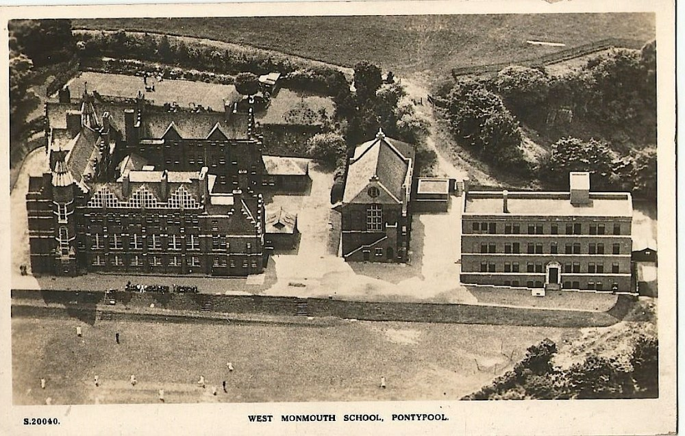 Old photographs of New Inn, The Grotto and West Mon School (3/3)