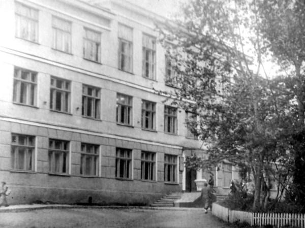 Школа 1 / Долинск / Исторические фото / Старый Сахалин