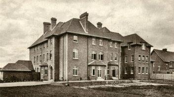 g-lyon-house-c1912