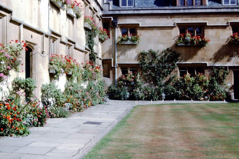 Oxford - Oxford-City-1976-03-Pembroke.jpg