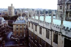 Oxford - Oxford-City-1976-04-Sheldonian-Theatre.jpg