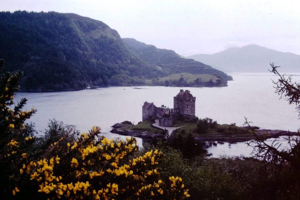 Scotland - Scotland-1979-03-Eileen-Donan-Castle.jpg