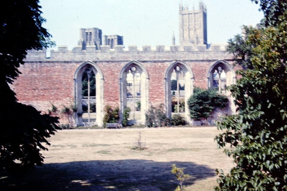 Somerset - Somerset-Aug-1976-10-Wells-Cathedral.jpg
