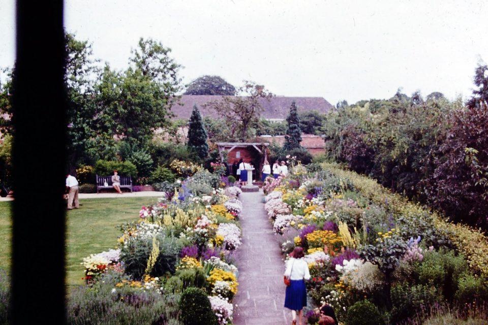 Stratford - Stratford-1964-05-Hallscroft-House-2.jpg