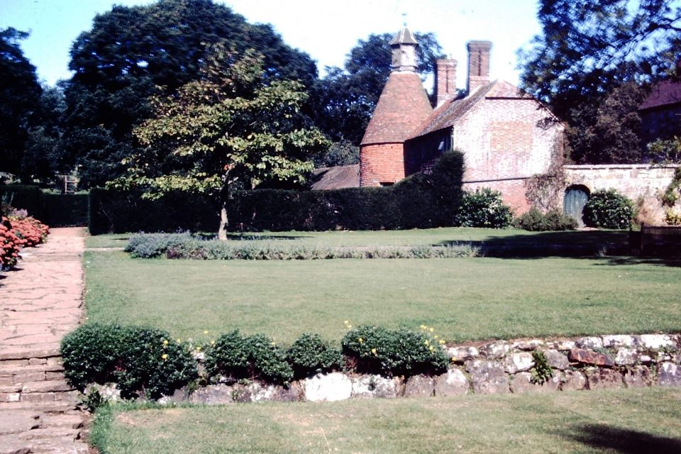 Sussex - Sussex-1974-17-Batemans-Oast-House.jpg