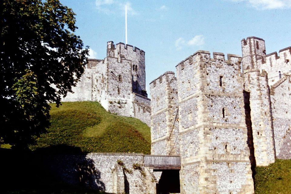 Sussex - Sussex-xxxx-01-Arundel-Castle.jpg