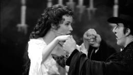 เรื่องย่อ Phantom of the Opera