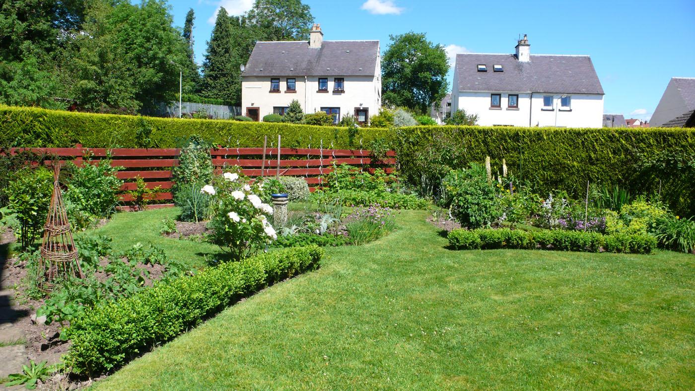 Side Garden Old St. Michaels