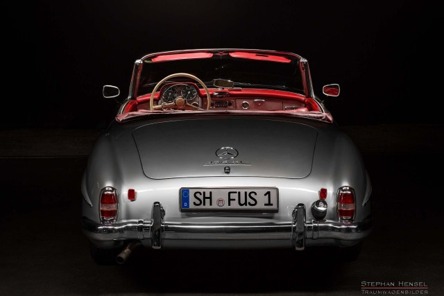 Mercedes-Benz 190 SL, Heckansicht, Studioaufnahme, Oldtimer Fotograf: Stephan Hensel, Hamburg