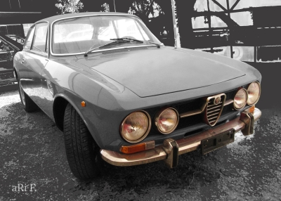 Alfa Romeo 1750 GT Veloce in grey