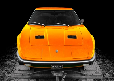 Maserati Indy in red & orange mix, front view