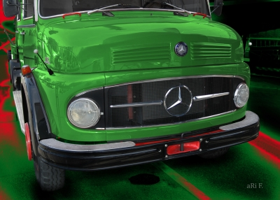 Mercedes-Benz Typ 1113 Kurzhauber in green
