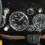 Mercedes-Benz Typ 170 D Armaturen Geschwindkeitsmesser und Analog-Uhr