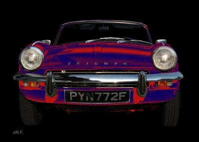 Triumph Spitfire Mk3 in blue & red