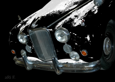 Jaguar Mark VII in black & black