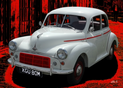 Morris Minor in red & white (Originalfarbe)