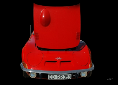 Opel GT in black & red front (Originalfarbe)