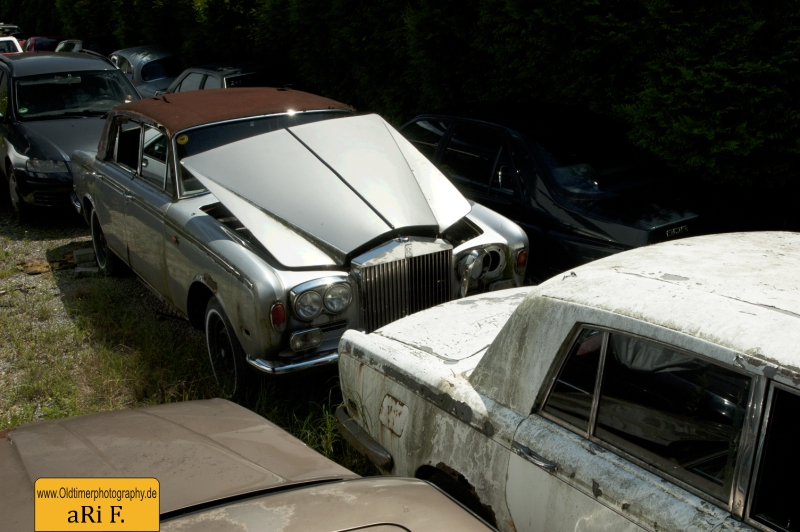 2 Rolls Royce Silver Shadow srap heap