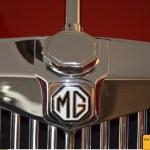 MG Midget TF, Kühlergrill mit integrierten MG-Logo