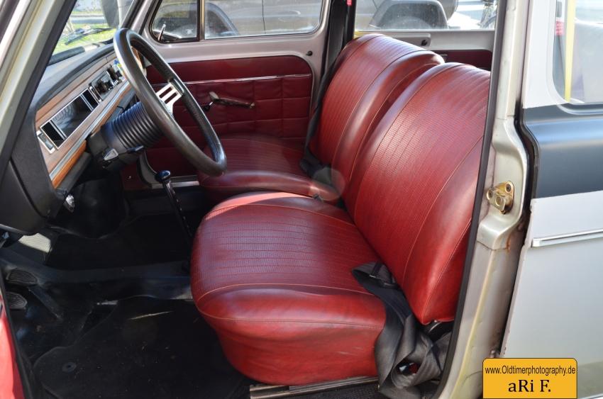 Simca Abarth Interieur, keine Schalensitze, aber mit Rahmenverstärkung innen