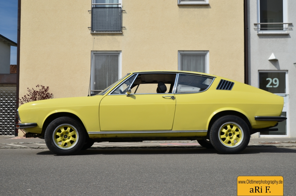 Audi 100 Coupé S (1970-1976) | Oldtimerphotography by aRi F.