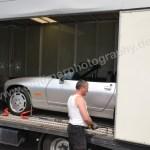 Porsche 928 Cabriolet beim Ausladen aus dem Lastwagen