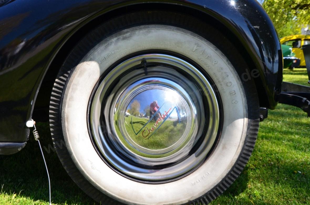 Chevrolet Master Coupe 1937 mit Firestone Deluxe Champion Weißwandreifen