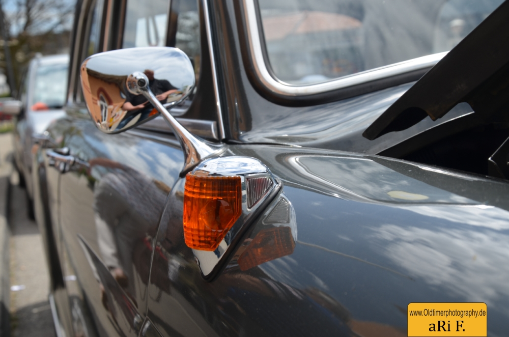 Mercedes-Benz 190 Db Ponton W 121 mit Blinker und Aussenspiegel