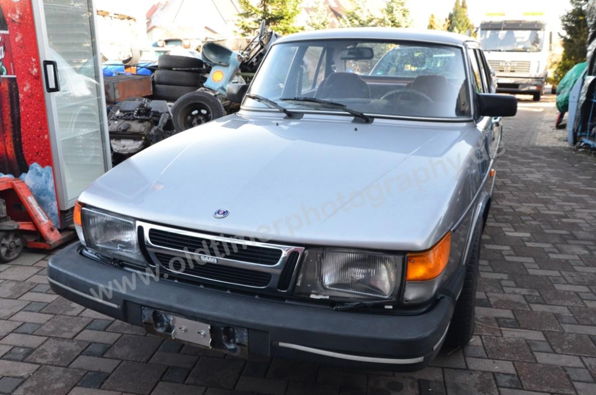 Saab 900i Sedan