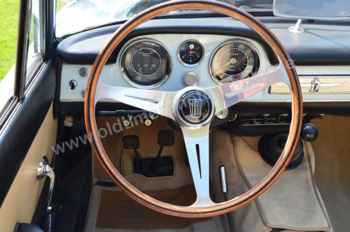 Fiat 1500 Spider Armaturentafel