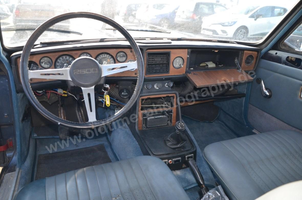 Triumph 2.5 PI Mk2 Estate Interieur