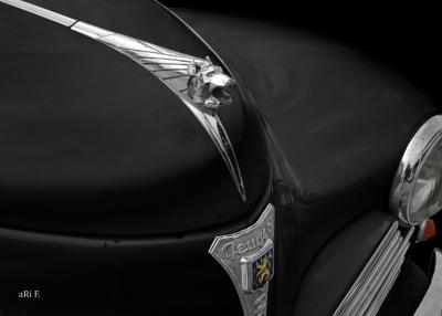 Peugeot 203 Poster Kühlerfigur
