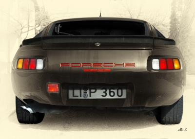 Porsche 928S in antique colour