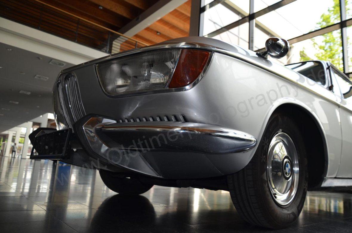 BMW 2000 CA Frontansicht vor der Bildbearbeitung