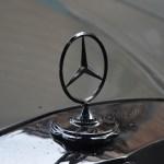 Mercedes-Benz W 110 kleine Heckflosse mit Mercedes-Stern auf Kühlerhaube